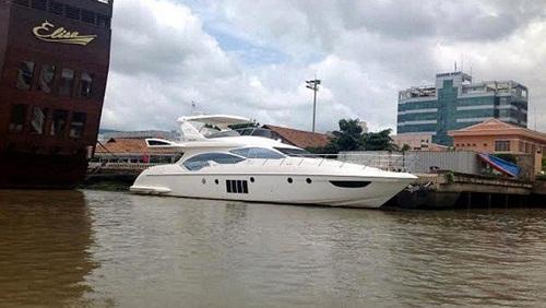 Du thuyền triệu đô, vật vờ khắp kênh rạch Sài Gòn