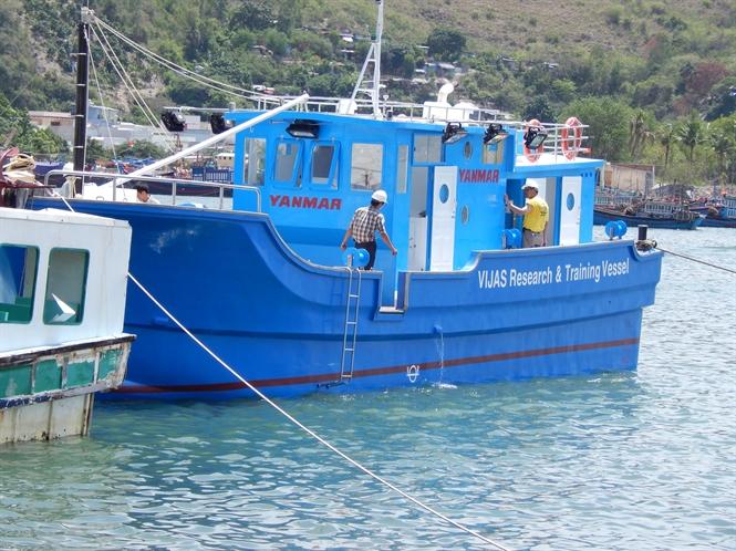Tàu composite- lựa chọn đáng giá!... Đọc thêm tại: http://nongnghiep.vn/tau-composite-lua-chon-dang-gia-post129474.html | NongNghiep.vn